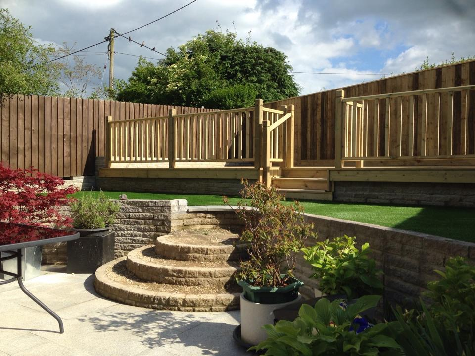 Landscaping in swindon garden ezee ltd for Garden design decking areas